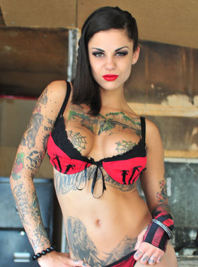 Hdvpass tatted babe bonnie rotten rides huge cock outdoors 3